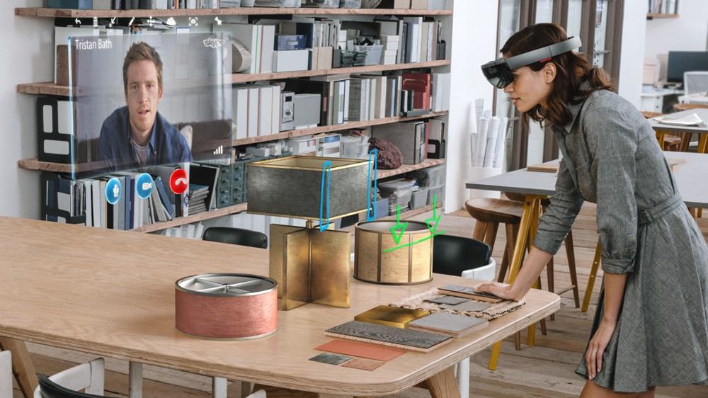 Kollaboration mit Microsofts HoloLens, die auch ohne Computer oder Smartphone funktioniert.