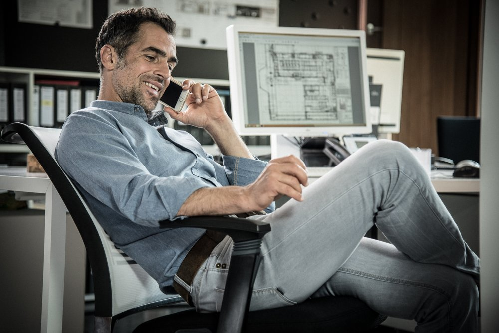 Die eigene Gesundheit wird es einem danken, wenn das Büro ergonomisch ausgestattet ist. Abbildung: Interstuhl
