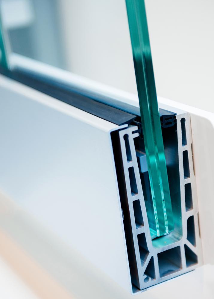 Querschnitt eines PVC-Fensters mit lärmreduzierenden Eigenschaften. Abbildung: Acoustex