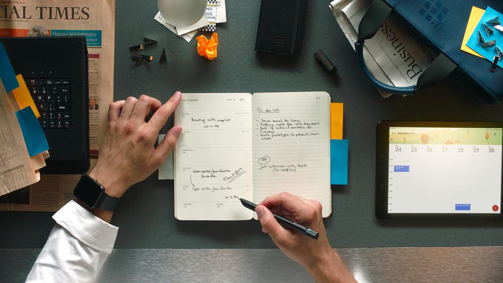 Das Smart-Writing-System von Moleskine verbindet handschriftliches Schreiben mit digitaler Eingabe. Abbildung: Moleskine