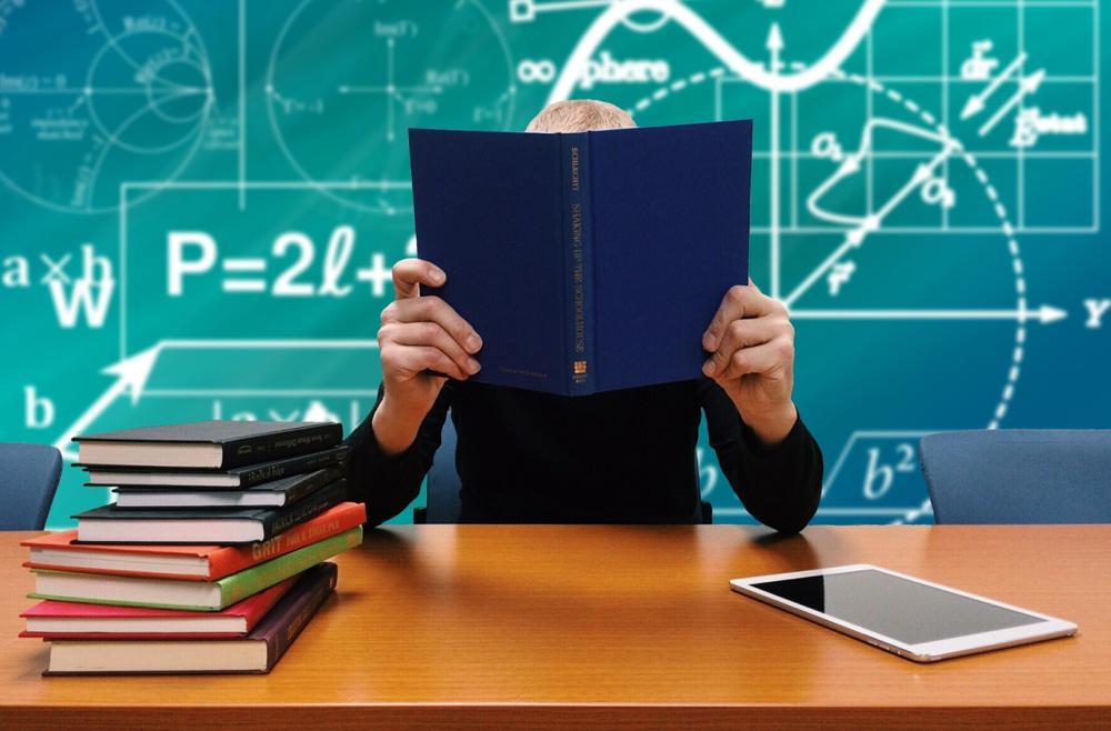Bitkom: E-Books gehören zur smarten Schule