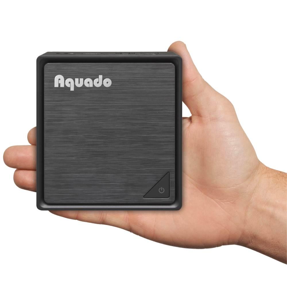 Mini-PCs, wie der ThinClient MiniPC Nano Dual BRIX Fanless V3 von Aquado, passen in fast jede Tasche. Abbildung: Aquado