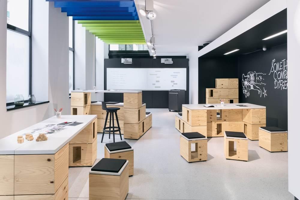 2019 wird voraussichtlich der 100.000ste PIXEL verkauft (UVP: 59 €). Im Bild das IDEA LAB mit vielen PIXELn. Abbildung: Andrea Hirsch/Bene