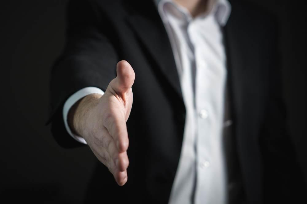 Nur ein kundenorientiertes Verkaufsgespräch führt zum Erfolg. Abbildung: Pixabay
