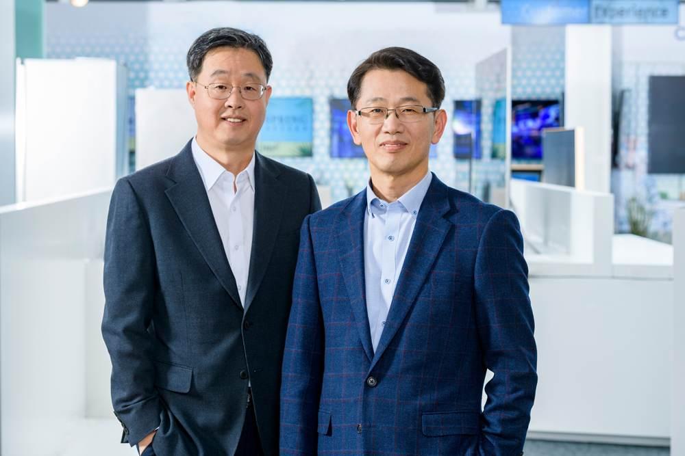 Willem Wookhan Kim und Sangho Jo. Abbildung: Samsung