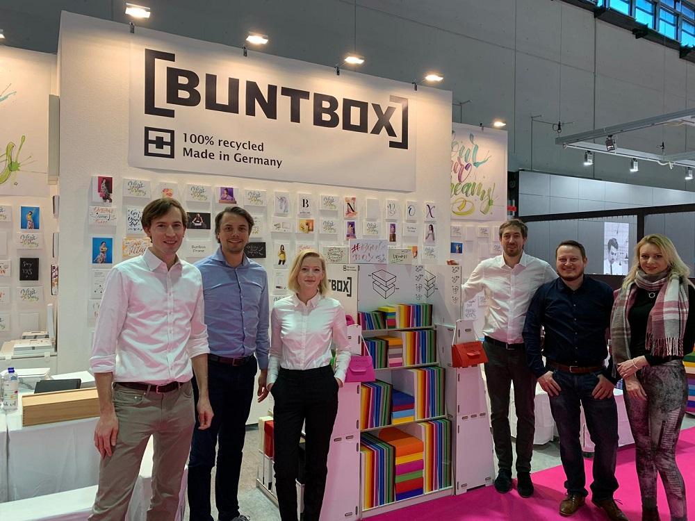 Das Buntbox-Team auf der Paperworld 2019 in Frankfurt am Main. Abbildung: Buntbox