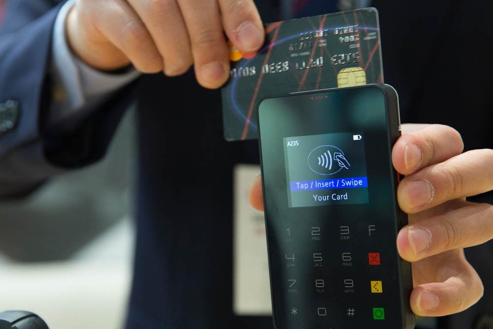 54 Prozent der Befragten meinen, dass sich 2030 mobiles Bezahlen endgültig gegenüber Bargeld durchsetzen wird. Abbildung: Pixabay
