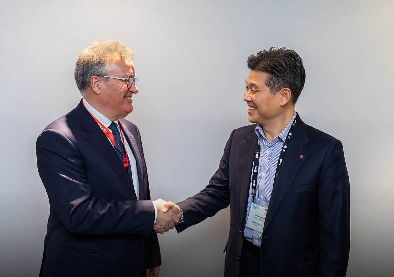LG und Ricoh vertiefen Partnerschaft