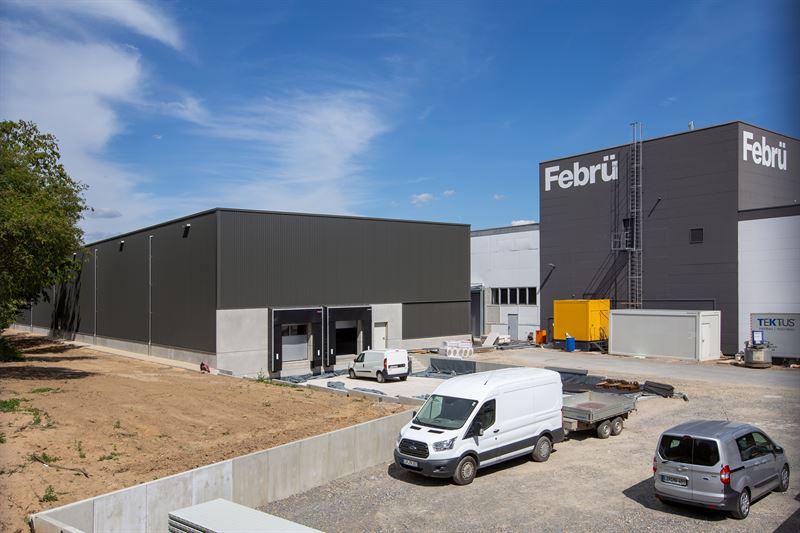 Der Herforder Büromöbelhersteller Febrü baut eine neue Produktionshalle. Abbildung: Febrü Büromöbel Produktions- & Vertriebs GmbH