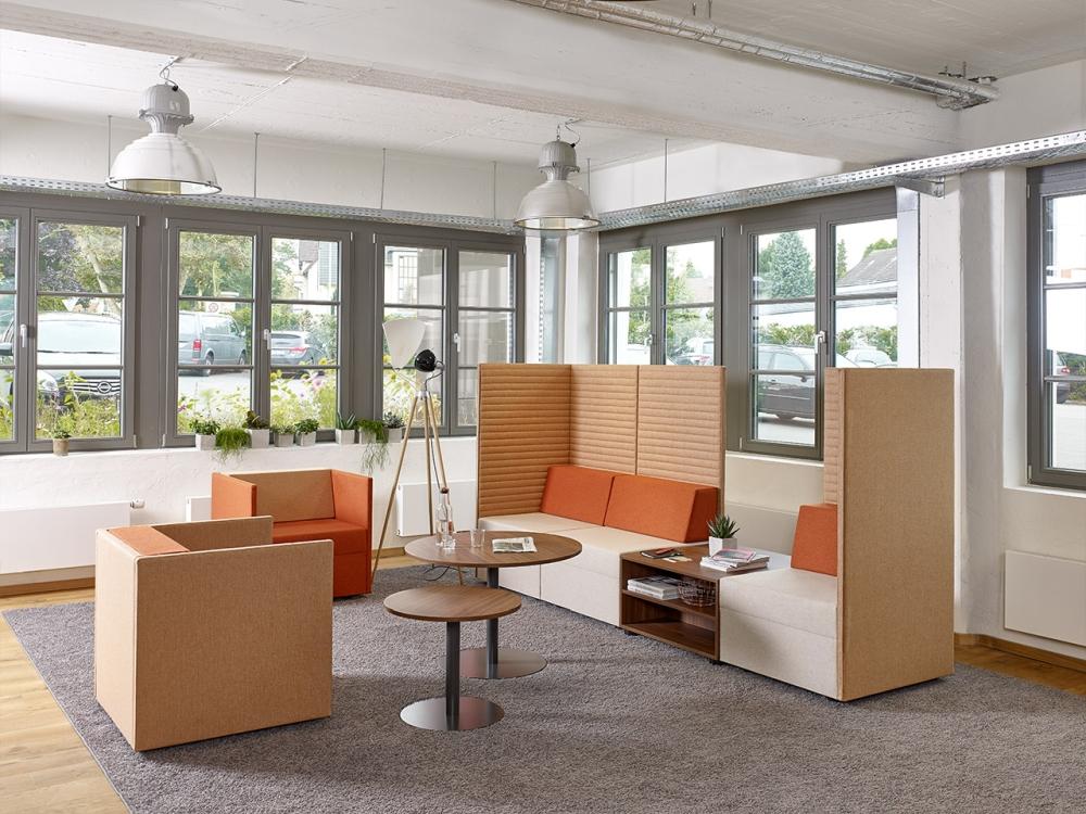 Büroeinrichtung mit Wohlfühlcharakter. Abbildung: Febrü