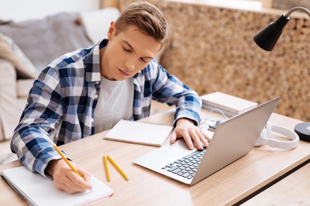 Anwendung von digitalen Tools bei Unterrichtsausfall