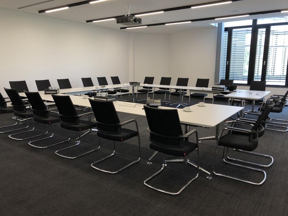 Anteo-Konferenzstühle von Köhl bieten sehr guten Sitzkomfort auch bei längeren Meetings. Abbildung: Köhl