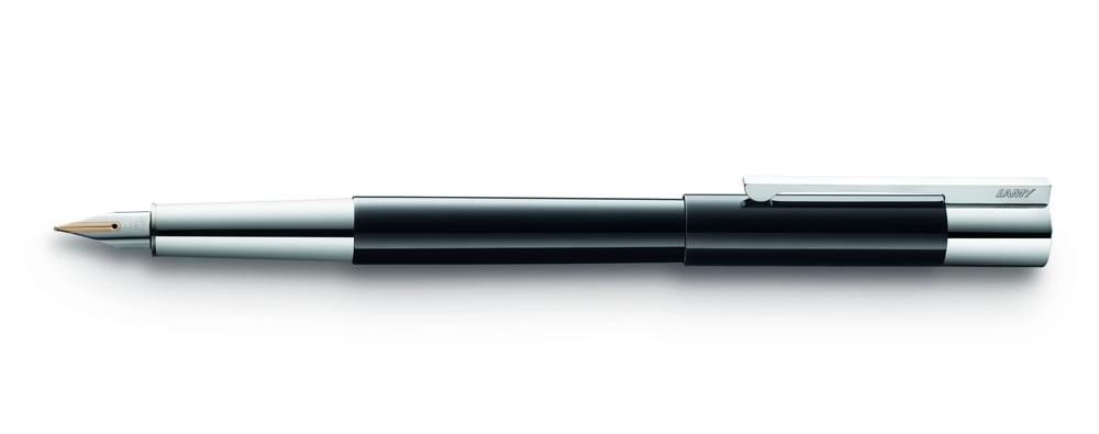 Lamy scala verbindet Eleganz und meisterhafte Verarbeitung, verfeinert formale Strenge mit luxuriösen Details. Abbildung: Lamy