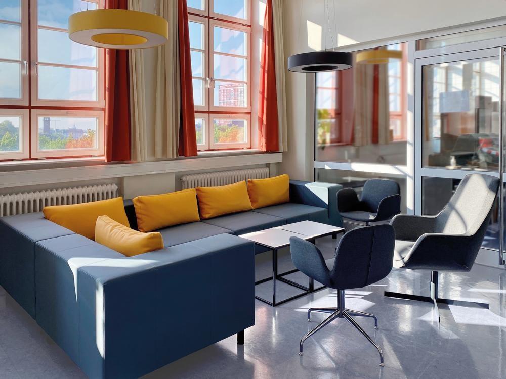 Möbel von SMV in Coworking Space der Hotelfachschule Hamburg